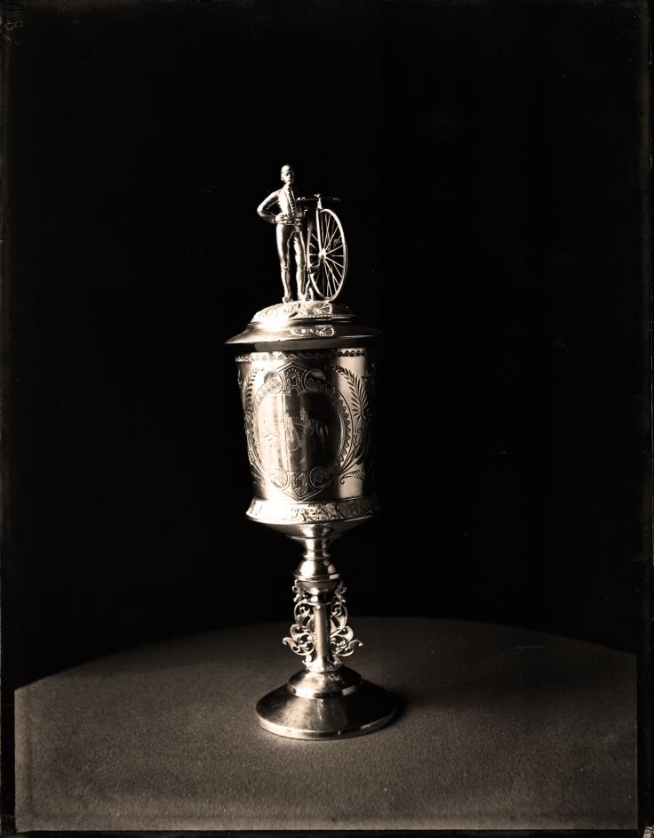 3-2000-012-003952-trophy1